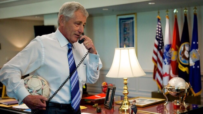 Secretary of Defense Chuck Hagel Calls Tim Howard to Say Thanks for Defending the U.S.