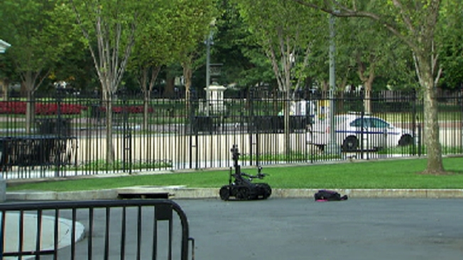 Secret Service: Bag Thrown Over White House Fence