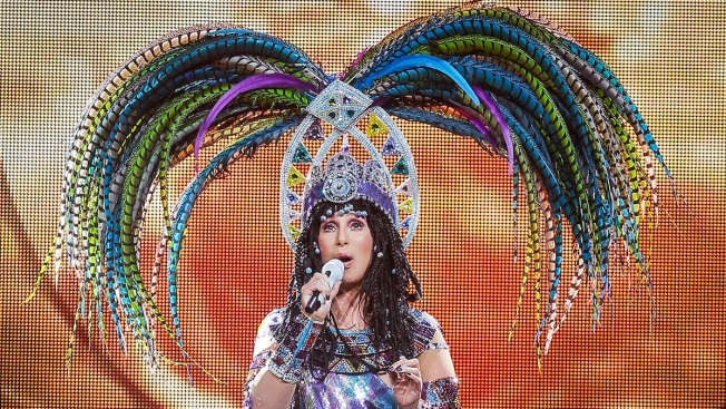 "Cher Postpones Tour Dates Over ""Acute Viral Infection"""