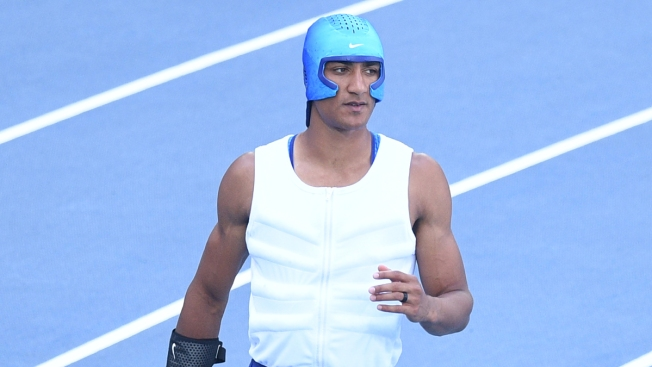 Rio 2016: Ashton Eaton takes decathlon lead after three events