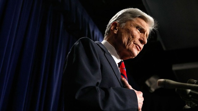 Republican John Warner to endorse Clinton