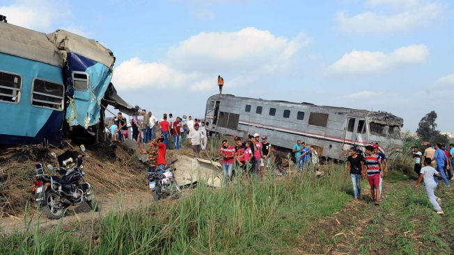 Train Collision in Northern Egypt Kills 43 122 Injured