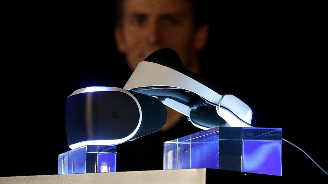 Sony Unveils Virtual Reality Headset for PS4