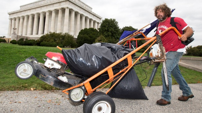 Man Takes Mower to National Mall During Shutdown