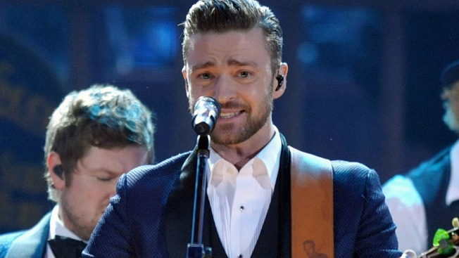 Justin Timberlake Stops Concert to Let Fan Propose to Girlfriend on Stage