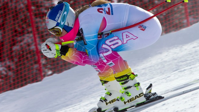 Vonn Delays Knee Surgery -- For Now