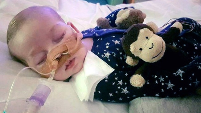 Trump Offers Help to a Terminally Ill British Baby