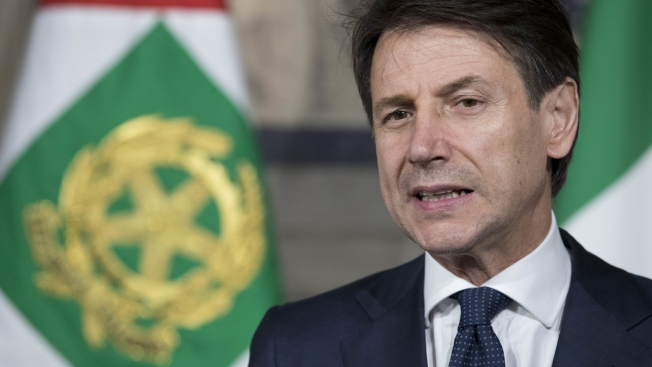 Italian Populists Sworn Into Power as Euroskeptics Cheer