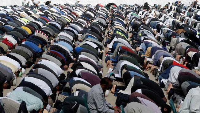 [NATL] Top News Photos: New Zealand Prays Together 1 Week After Attacks