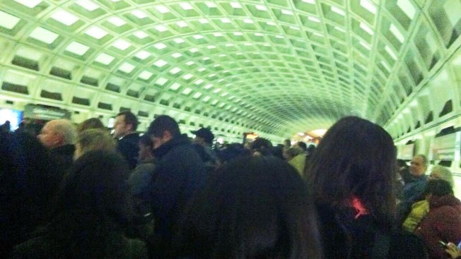 Hundreds of Red Line Commuters to Get Refunds After Long Delays This Week
