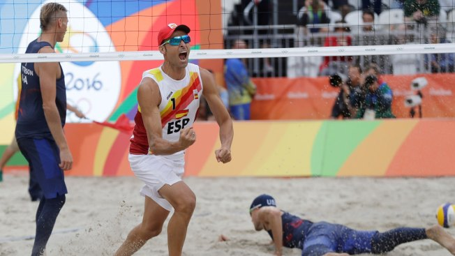 Us Men S Team Loses To Spain In Beach Volleyball Eliminated From Tournament