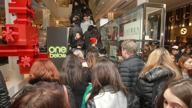 Online Sales Surge, but Thousands Still Lining Up for Black Friday