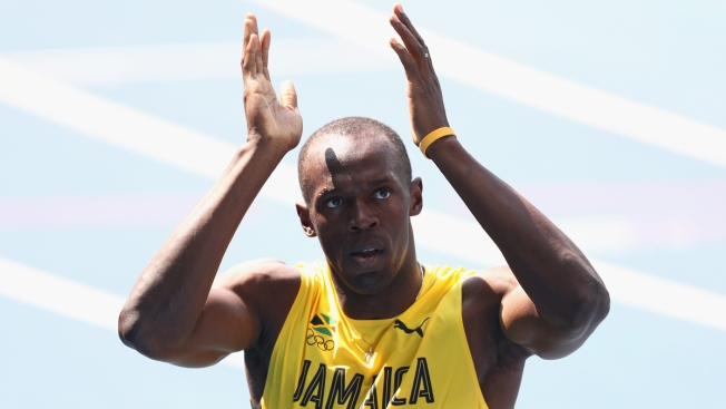 In a Breeze, Usain Bolt Starts Pursuit of 200-Meter Title