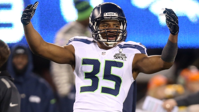 Seahawks Player DeShawn Shead Proposes to Girlfriend After Sunday's Victory