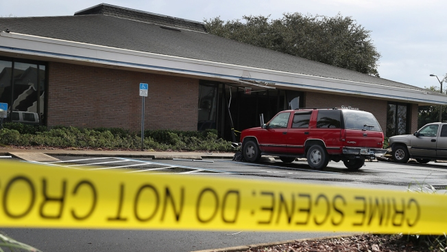 Florida Bank Won't Reopen Following Deadly Shooting