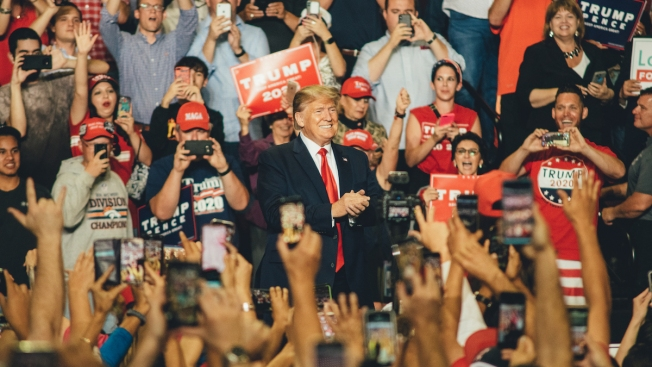 Trump Rallies Backers in New Mexico in Bid to Turn State Red