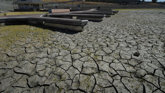 Calif. Imposes First Fines to Suppliers Failing to Cut Back on Water Amid Drought