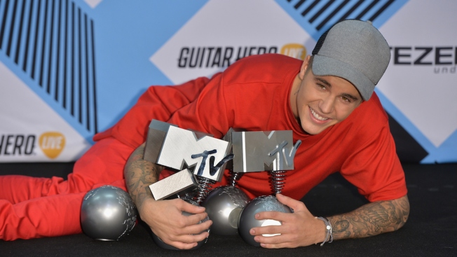 Justin Bieber is the Big Winner at MTV EMA's With 5 Awards