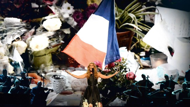 Stars at American Music Awards Have Paris on Their Minds