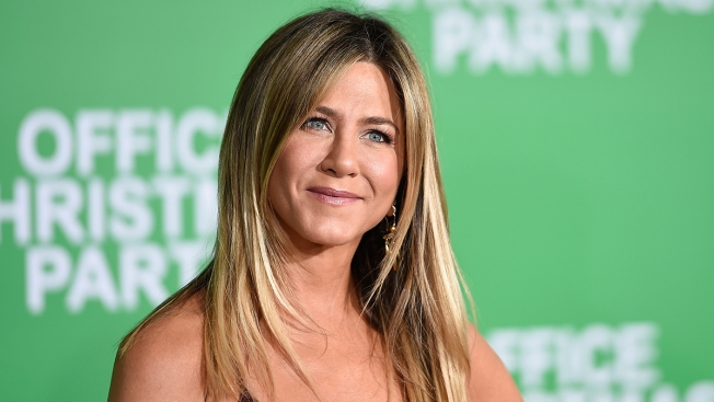 'Friends' Star Jennifer Aniston Makes TV Return With Reese Witherspoon
