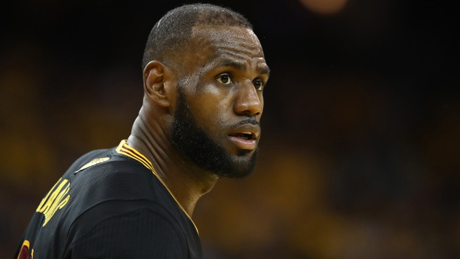 LeBron James Teaming With Showtime on NBA Documentary