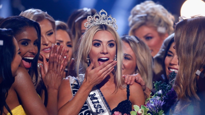 Miss USA Sarah Rose Summers Calls Out Contestant for Not Speaking English