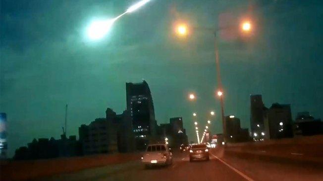 Meteor Streaks Turn Night Sky Green Over Thailand
