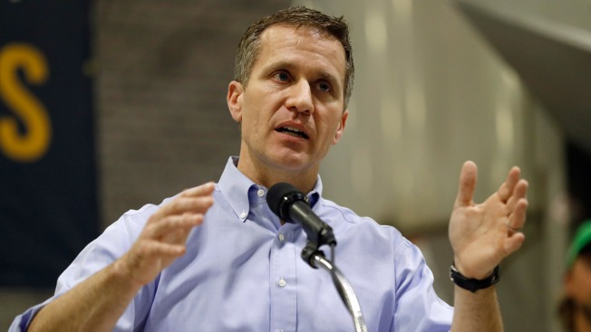 Outgoing Mo. Gov. Eric Greitens Signs 'Revenge Porn' Law on Final Day in Office