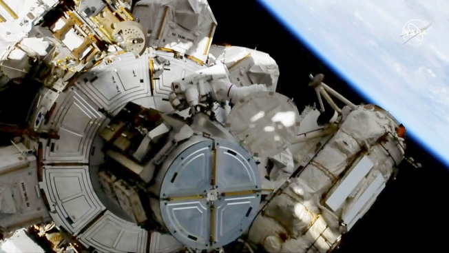 NASA Conducting Spacewalk as World's 1st Spacewalker Dies