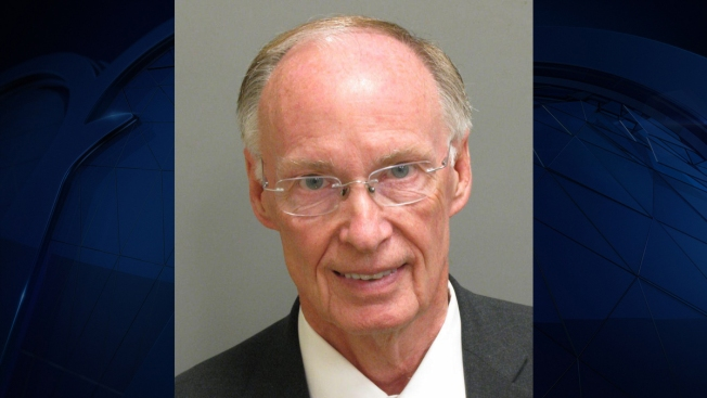 Alabama Governor Pleads Guilty to State Law Violations, Resigns