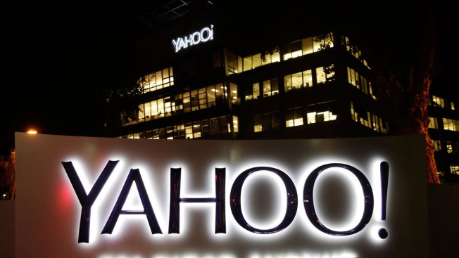 Google and Yahoo Sign Deal on Internet Search and Advertising