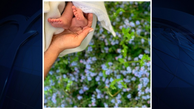 Meghan, Harry Release Baby Feet Photo for US Mother's Day