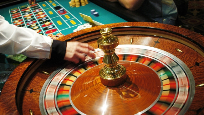 Man Sues Maryland Live! Casino; Says He Was Struck by Runaway Roulette Ball