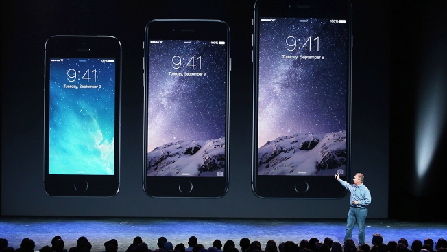 iPhone 6 Pre-Orders Set 1st-Day Record for Apple