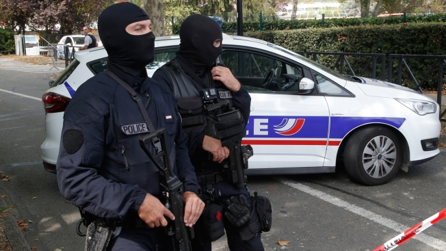 Man Kills Mother, Sister in Knife Attack West of Paris; France Sees No Apparent Terror Tie