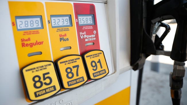 How Travelers Can Save (a Little) on Gas This Memorial Day Weekend