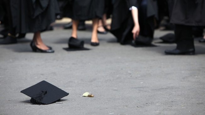 Don't Leave Money on the Table: Tips for Negotiating Salaries as a College Grad