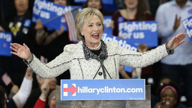 Clinton scores commanding win in SC