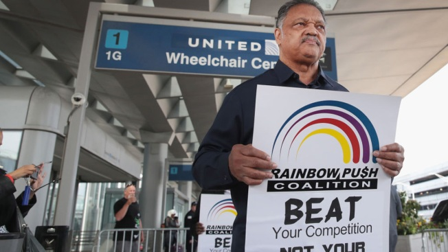 More Cops Suspended As Passenger Dragged Off United Jet Prepares To Sue