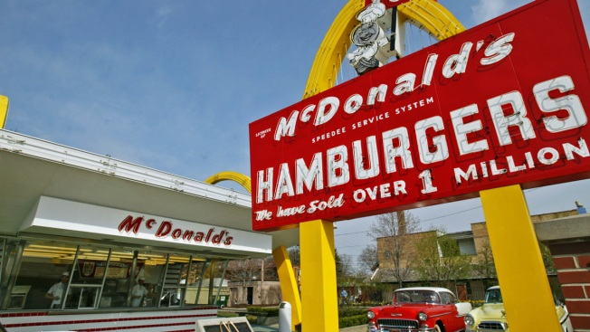 McDonald's to demolish museum of 1st restaurant