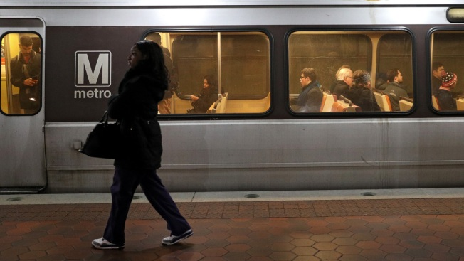 Author Who Reported Metro Worker for Eating on a Train Sues Publisher