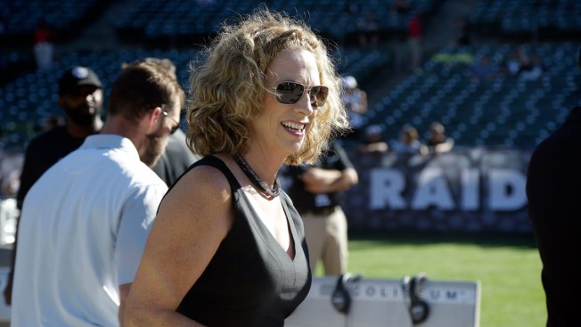 ESPN's Mowins Set to Be 1st Woman to Call NFL Game Since 1987