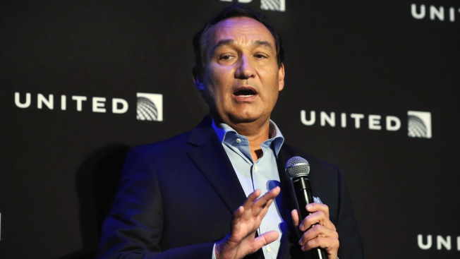 United CEO won't add chairman title in 2018 as was planned