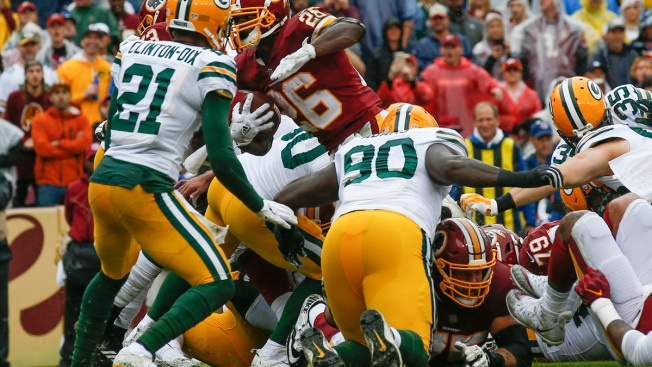 Peterson Runs for 120 Yards, 2 TDs, Redskins Top Packers 31-17