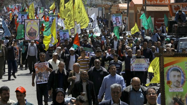 Jailed Fatah leader moved to separate prison, into isolation amid hunger strike