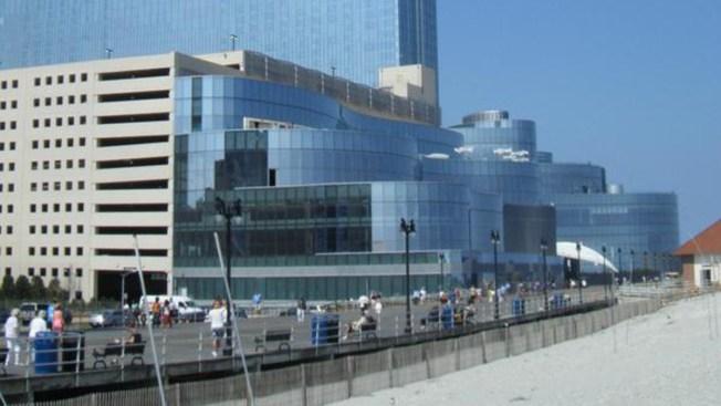 Christie OKs Sports Betting in New Jersey