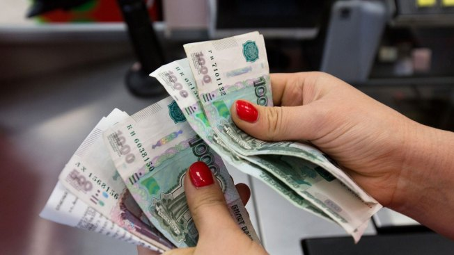 Average Russian Bribe Jumps 75 Percent in One Year: Official