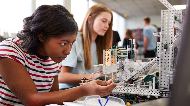 Virginia Opens Grant Contest for Female STEM Students