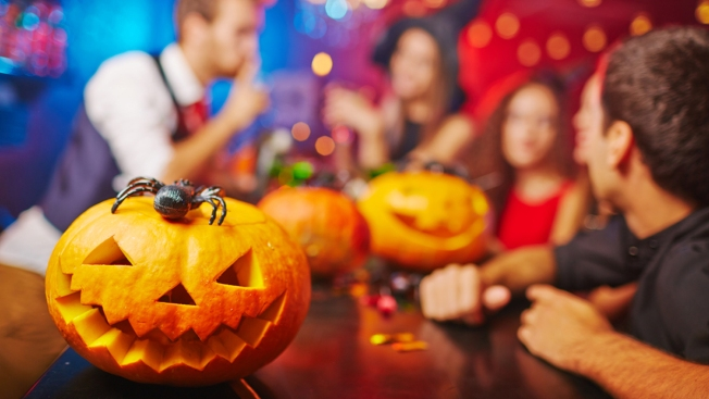 Boo-zy Bar Crawls, Ghastly Ghost Tours, Haunted Pubs in the DMV