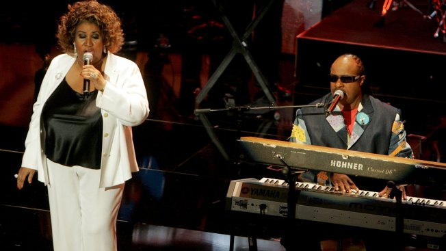 Stevie Wonder, Faith Hill Among All-Star Lineup For Franklin Funeral